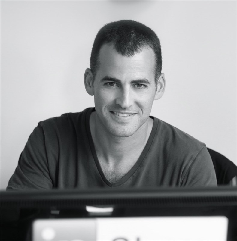 Photograph of Alon Alroy, Co-Founder, CMO and BizDev of Bizzabo